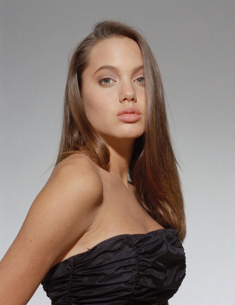 Анджелина Джоли в 16 лет
