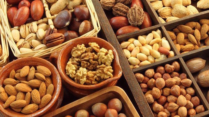 Полезные жиры в орехах