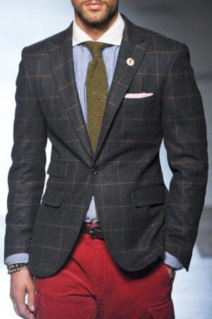 Пиджак на одной пуговице