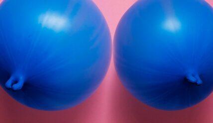 Интрамаммарный секс: что это и вредно ли?